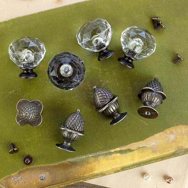 Memory Hardware - Orleans Antique Knobs - Frank Garcia - Prima
